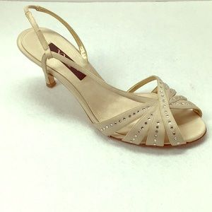 Nina taupe sandal. Excellent condition.